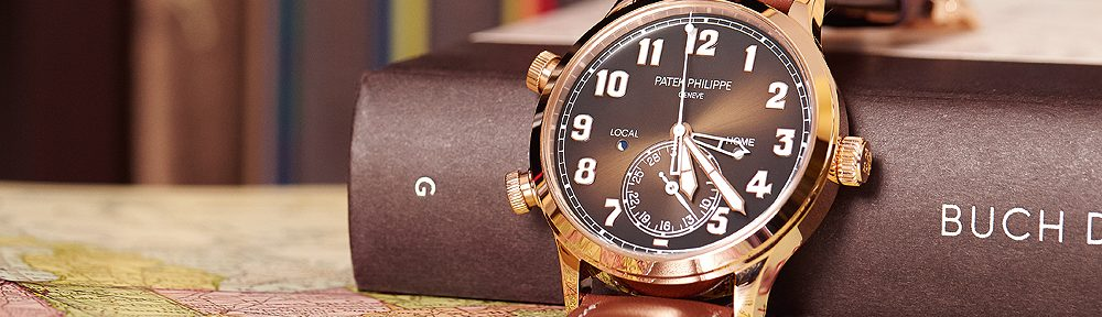 On Hands of Top Patek Philippe Calatrava Pilot Travel Time Replica Watch